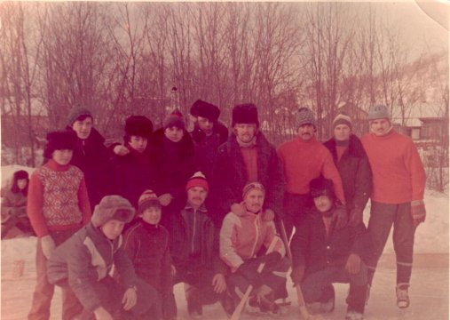 Как молоды мы были... Сборная команда села Онор по хоккею с мячом. 1983 год.